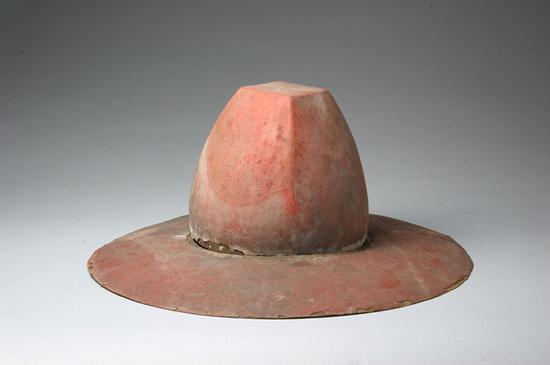 朱漆加紵方頂笠帽