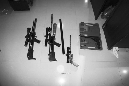 张某非法制造的4支枪