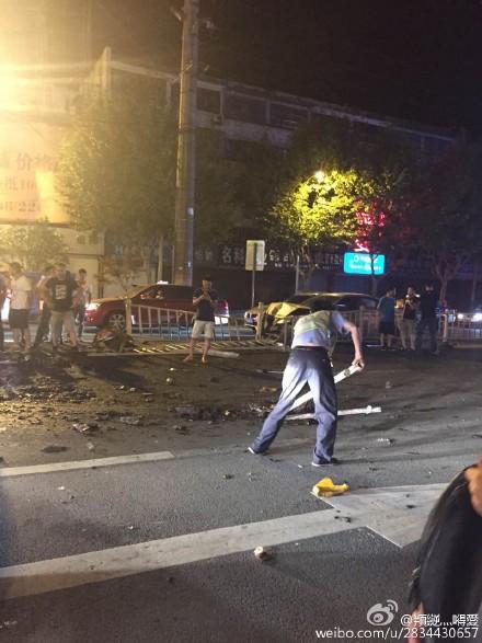 余姚司机为逃避酒驾检查闯红灯 与多辆汽车相撞