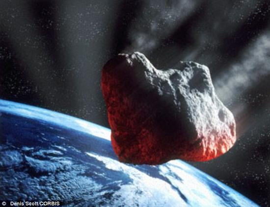 就在周日,有一颗价值连城的近地小行星飞过地球附近,距离比最近的行星要近30倍。图片为美国宇航局伽利略号木星探测器在飞往木星的途中拍摄的小行星Ida和它不远处的小卫星