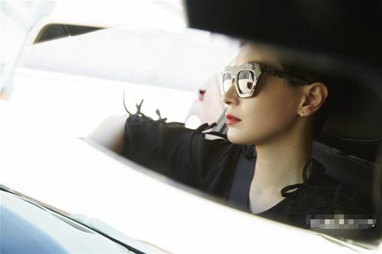 女汉子驾到 李媛演绎最时尚倔强女司机