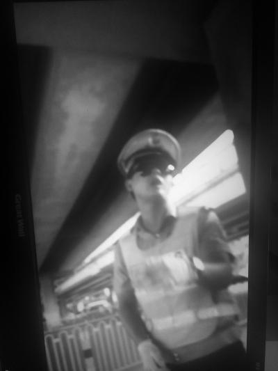 当事协警(视频截图)