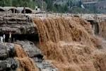 黄河壶口瀑布7月22日迎来伏汛