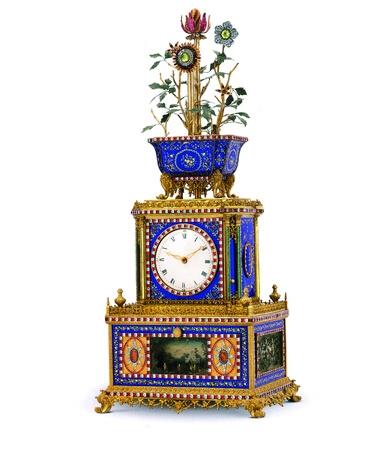 清乾隆·鎏金銅鑲嵌琺瑯料石轉花花盆頂水法音樂鐘