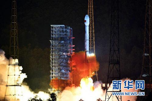 """远征一号""""运载火箭成功将两颗新一代北斗导航卫星发射升空,经过约3.5小时飞行后,""""远征一号""""上面级将两颗卫星准确送入预定轨道。此次发射圆满成功,标志着北斗卫星导航系统向全球覆盖的建设目标迈出坚实一步。新华社记者朱峥摄"""