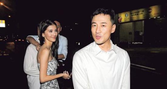 林峰攜吳千語出席堂妹婚宴 深情對看秀恩愛