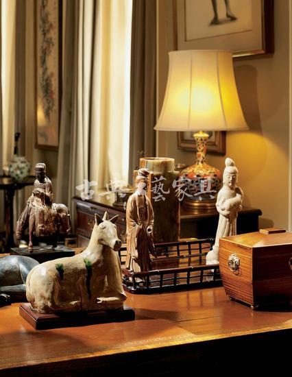 圖6 安思遠桌面上的瓷器陳設