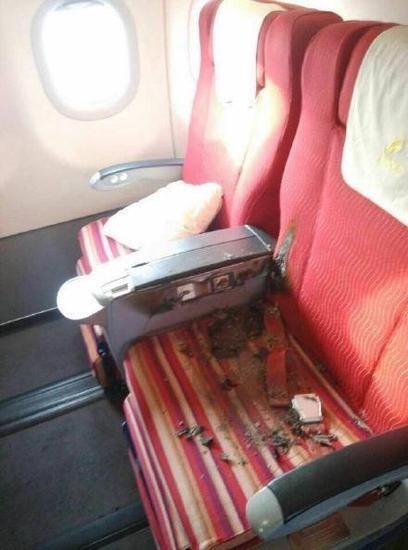 亲历者讲述深航客机事件:男子点火挥刀威胁乘客