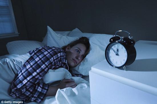 科学家发现只需一晚睡眠不良就可改变基因