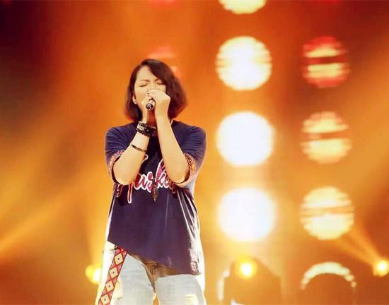 张惠春好声音舞台为爱高歌