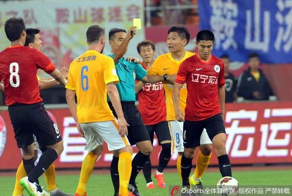 苏媒发抵制球场暴力倡议 盼球员从此文明踢球