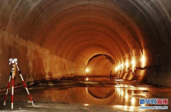 三亚红沙隧道