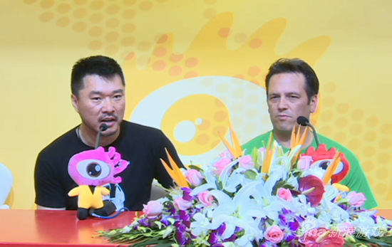 Xboxone中国区总经理谢恩伟和XboxOne总负责人Phil Spencer