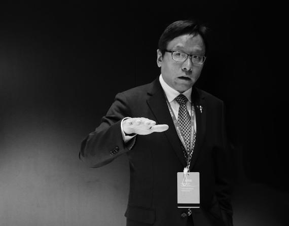 长城华冠汽车科技股份有限公司董事长 陆群