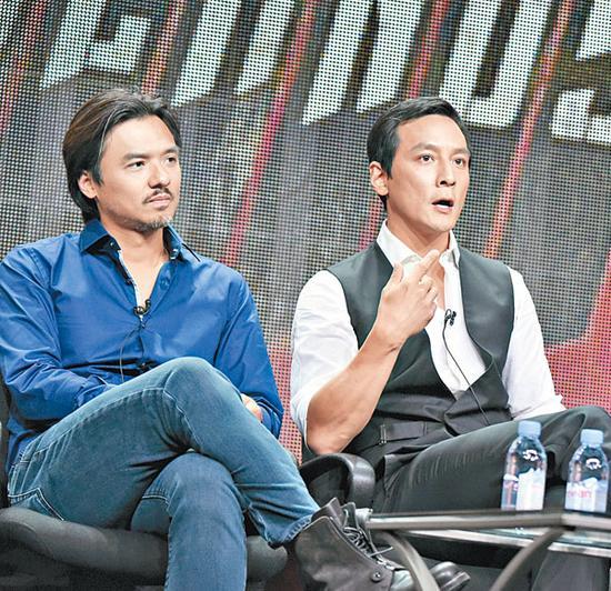 吴彦祖和冯德伦(左)在美国宣传新剧。