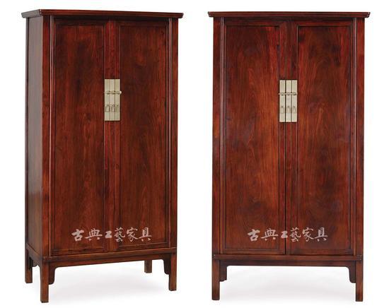 明晚期黃花梨方材圓角櫃(一對)(圖2)   高159厘米,長80.2厘米,寬45.4厘米