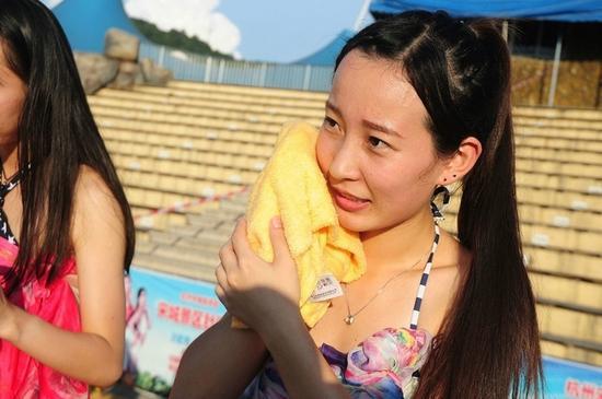 杭州相親大會洗臉&測胸圍 你們城裡人真會玩