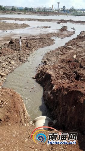 美本水库大量向外排水