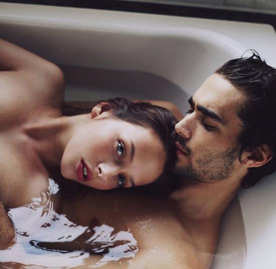 翻開戀愛寶典 熱戀女人必須銘記的15個規則
