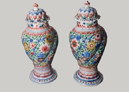 五彩花卉紋將軍蓋罐