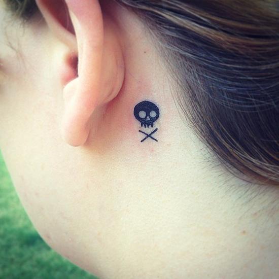 耳后小纹身