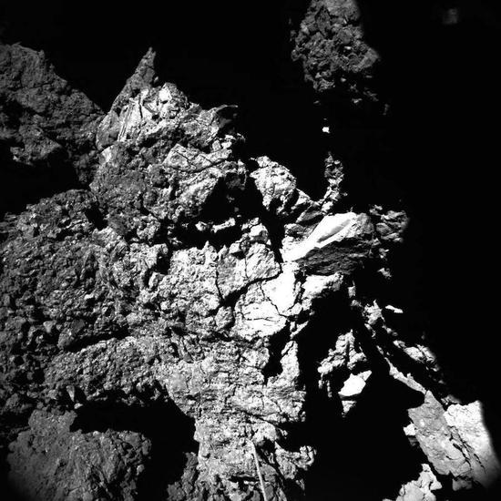 """""""菲莱""""科学成果公布:彗星或覆盖有机物"""
