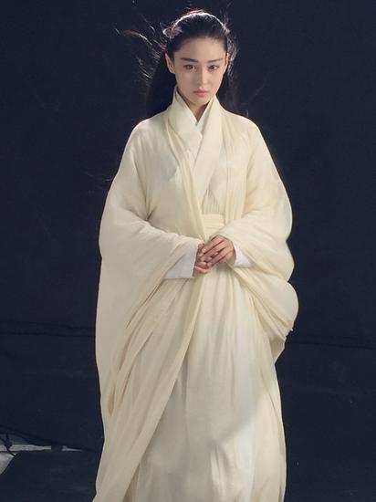 张馨予白衣古装
