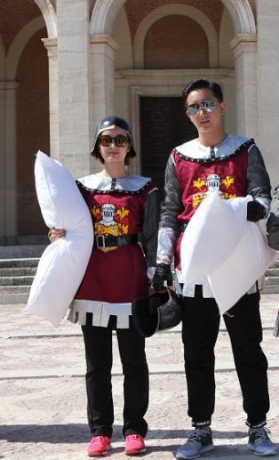 吴昕和韩庚在马德里做使命