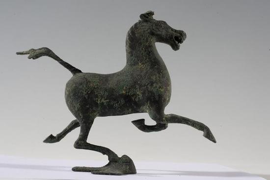 马踏飞燕 汉 青铜器