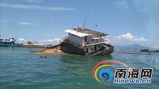 沉船现场(通讯员  陈鋆摄)