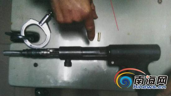 射钉枪改造的自制枪。美兰警方供图