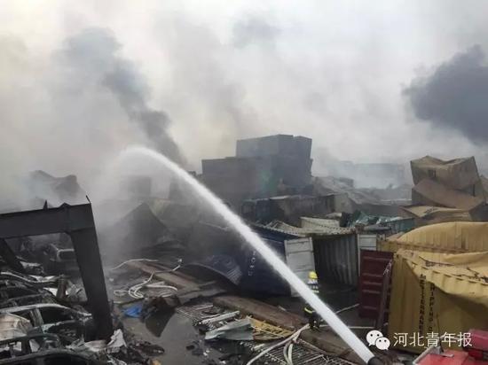 河北消防官兵昨夜驰援天津爆炸现场:已参与救援