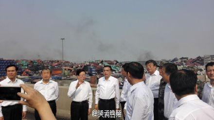李克强抵达天津重大火灾爆炸事故现场|李克强