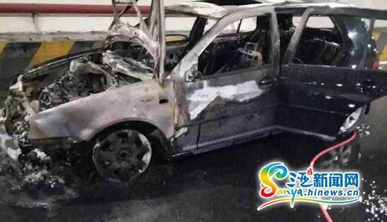 8月18日,G98环岛高速公路东线段三亚往海口方向大茅隧道内中间位置处一辆轿车发生自燃。(图片由高速公路管理公司三亚站提供)