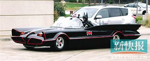 """■鲁滨逊的""""蝙蝠车""""。"""
