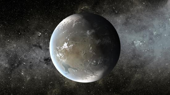 Kepler-62f艺术示意图,这颗行星比地球直径大了约60%。科学家们认为假如其大气成分适合,那么它的表面可能会存在海洋