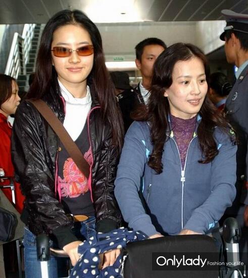 明星母女亲身示范 教你怎么妆成姐妹|明星母女|刘亦菲与母亲|李小璐