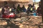 """肯尼亚""""女儿村"""" 长达25年禁止男人进入"""