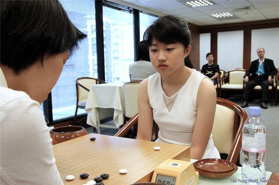 专业女将杨子萱本次竞赛发扬杰出
