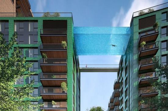 通体透明的泳池将悬挂在10层楼的高空