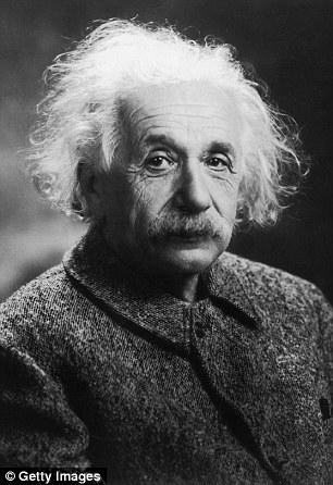 莱维斯教授称曲率驱动本身是爱因斯坦相对论体系的一部分,该理论描述了我们如何可以造成时空的弯曲