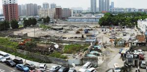 江东樟树街附近,有一个很大的垃圾场。