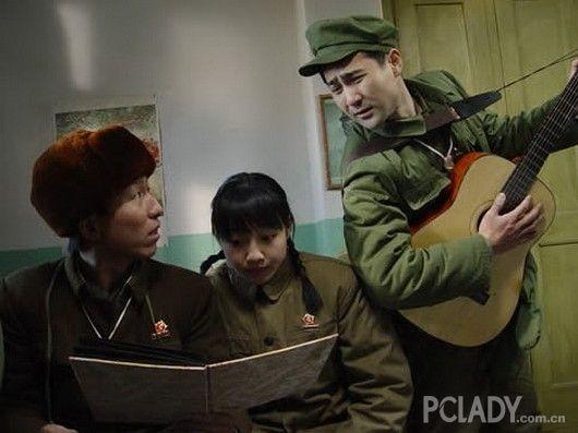 白百合与陈羽凡相识在拍摄《与青春有关的日子》的剧组