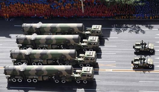 2009年参与阅兵式的东风31A洲际弹道导弹