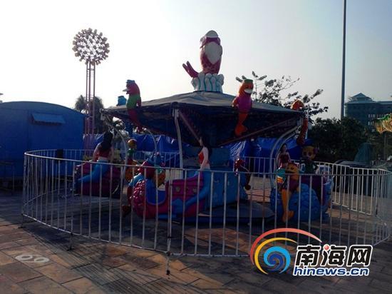 儋州市文化广场租户的儿童活动器材(南海网记者刘培远摄)