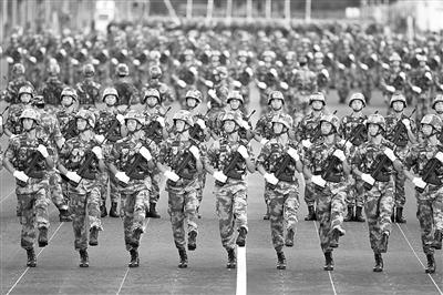 """""""狼牙山五壮士""""英模部队方队在进行训练。"""