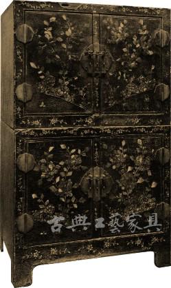 圖1-1 黑漆螺鈿牡丹紋頂箱櫃