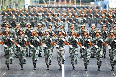 狼牙山五壮士英模部队方队:中华民族的不朽雕像