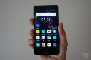 """外媒:华为成为智能手机行业的""""新三星"""""""