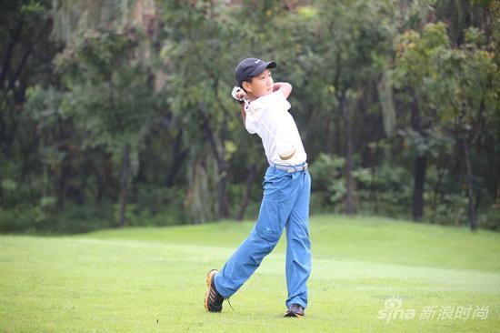 东方会强青少年高尔夫球队成立 学员纷纷表达未来梦想图片